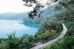 The separated cycling path around Sun Moon Lake, Taiwan. Photo by David Niddrie