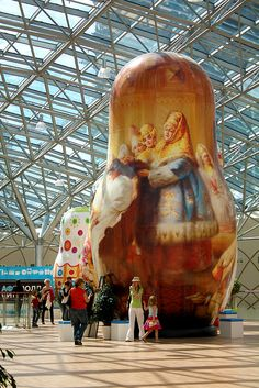 Giant dolls in Moscow. Must see that...bucket list idea