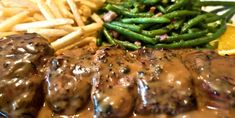 You can keep a secret, do not you? This pepper sauce, you can put it everywhere! Au Poivre Sauce, Steak Au Poivre, Sauce Recipes, Beef Recipes, Cooking Recipes, Carne, Marinade Sauce, Meat Appetizers, Homemade Seasonings