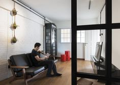 13 SMALL Homes so beautiful you won't believe they're HDB flats Small House Interior Design, Interior Design Singapore, Beautiful Interior Design, Beautiful Interiors, Tiny Spaces, Small Apartments, Glass Partition Designs, Tiny House Exterior, White Brick Walls