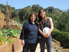 A Sweet Birthday Surprise : Jennifer Garner and Ina have always wanted to find the time to cook together. And it just so happens to be Jennifer