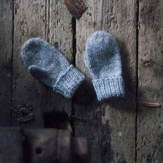 Trykk på bildet for å laste ned PDFen Knitting For Kids, Easy Knitting, Baby Knitting Patterns, Crochet For Kids, Knitting Projects, Crochet Bebe, Knit Crochet, Baby Barn, Big Knits