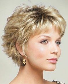 Short layered hairstyles from year to year a short hairstyle is traditionally topped by the lists of the most popular female haircuts in the 2019 se hairstyle ideas new pixie and bob haircuts 2019 super short hairstyles Modern Short Hairstyles, Short Hairstyles For Thick Hair, Short Layered Haircuts, Short Hair Styles Easy, Short Hair With Layers, Haircuts With Bangs, Curly Hair Styles, Short Hair Cuts For Women Over 50, Older Women Hairstyles