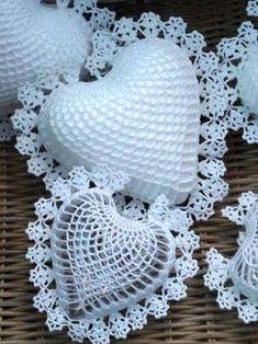 crochet hearts 3D