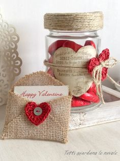 Everyone looks at the clouds: Valentine Card Packaging & Pinterest Valentines, Valentine Day Crafts, Valentine Decorations, Burlap Crafts, Diy And Crafts, Christmas Gift Bags, Paper Hearts, Valentine's Day Diy, Mason Jar Crafts
