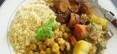 Il cous cous è un piatto che proviene dal Maghreb, quindi Marocco, Tunisia ed Algeria. Ne esistono moltissime varianti ed è assolutamente delizioso!