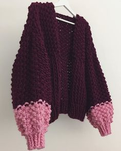 Crochet Woman, Knit Crochet, Diy Fashion, Fashion Outfits, Poncho, Sweater Making, Couture Dresses, Crochet Clothes, Pretty Outfits