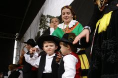 Northern Portuguese Celtic cuties from Barcelos, north Portugal.  http://www.flickr.com/photos/antonio_sardinha/2458036242/