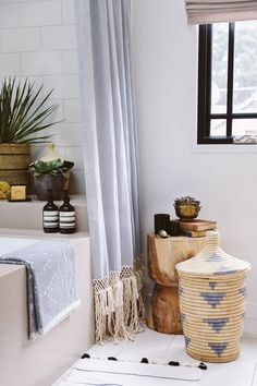 Get your bathroom ready for spring by adding unique storage options. Want to find out other ways to makeover your bathroom? Check out 13 Easy Ways to Freshen Up Your Bathroom. bathroom interiors tips makeover affordable storage basket 54887689194039563 Extra Long Shower Curtain, Long Shower Curtains, Bohemian Shower Curtain, Bohemian Bathroom, Ideas Hogar, Bathroom Inspiration, Bathroom Ideas, Bathroom Styling, Bathroom Storage