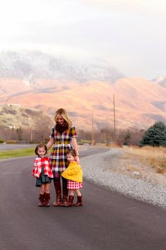 adorable plaid with sources to all the clothing pieces Toddler Fashion, Kids Fashion, Mother And Child Reunion, Pretty Outfits, Cool Outfits, The Joys Of Motherhood, Love Amor, Little Fashion, Gap Kids