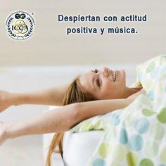 5 Hábitos matutinos de las personas productivas 3.Despiertan con actitud positiva y música. El entorno que nos rodea afecta considerablemente a una estimulación positiva. Una persona productiva despierta con una actitud  autentica, de superación, de búsqueda y aprendizaje, y un poco de música que alegre crea un día positivo. #HábitosMatutinos #Productividad