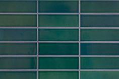 キッチンのタイルは、ヒースセラミックスのもの。  #ヒースセラミックス #HeathCeramics #タイル #個人輸入 #グリーンタイル #タイル #G様邸新御徒町 #キッチン #kitchen #キッチンアイデア #狭小住宅 #インテリア #EcoDeco #エコデコ #リノベーション #renovation #東京 #福岡 #福岡リノベーション #福岡設計事務所 Tile Floor, Flooring, Texture, Green, Surface Finish, Tile Flooring, Wood Flooring, Floor, Pattern