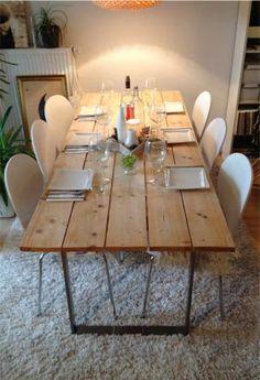 Esszimmertisch aus Schalbretter - hier gibt's die Selbstbauanleitung für das tolle Möbelstück - #OBI Selbstgemacht! Blog. Selbstbauanleitung für jedermann. #DIY #Holztisch