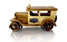 1930's Police Car-- love the choice of grain / wood in this car and the use of contrasting wood to make it look painted. Great work!