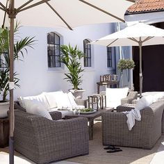 Hagemøbel - Outdoor furniture from Artwood. San Diego sofa, stoler og bord kan bestilles hos oss: www. Outdoor Living Rooms, Outdoor Spaces, Living Spaces, Garden Furniture, Outdoor Furniture Sets, Outdoor Pergola, Outdoor Decor, Outdoor Lounge, Interior And Exterior