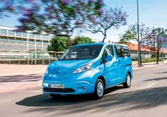 Nissan introduces e\-NV200