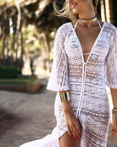 Summer wear White laces v neck dress. Lace Outfit, Lace Dress, Trendy Dresses, Nice Dresses, Pull Torsadé, Summer Bathing Suits, Bikini Dress, Plus Size Swimsuits, White Lace