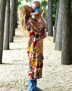 Your guide to stylish mommyhood www.themomistadiaries.com