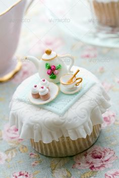 Tea party cupcake - i could never do this, but what a cute idea!