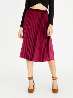 STYLE REPUBLIC Pleated Velvet Skirt Dark Red | spree.co.za