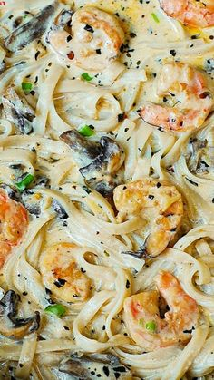 Zoodles or wheat pasta.Creamy shrimp and mushroom pasta in a delicious homemade alfredo sauce. All the flavors you want: garlic, basil, crushed red pepper flakes, paprika, Parmesan and Mozzarella cheese. Shrimp Stuffed Mushrooms, Stuffed Peppers, Shrimp Mushroom, Pasta With Mushrooms, Creamy Mushrooms, Mushrooms Recipes, Creamy Mushroom Pasta, Mushroom Soup, Pasta With Mushroom Sauce