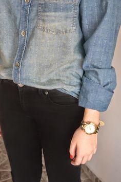 Camisa jeans Calça preta jeans skinny Bota preta salto fino