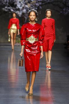 Dolce & Gabbana Online Store, shop on the official store exclusive clothing and accessories for men and women. Red Fashion, Fashion Photo, Runway Fashion, Fashion Models, Womens Fashion, Fashion Trends, Exclusive Clothing, Lady In Red, Women Wear