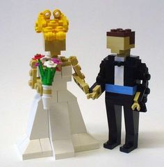 geek wedding cakes | The LEGO Wedding Cake Toppers are Geek Chic ... | Geeky Wedding Ideas Too cute!