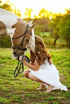 This is so pretty! Great senior pic idea