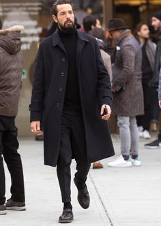 Looks fashionable than Chester coat ! What is the choice of adult adult coat? Formal Men Outfit, Look Man, Best Mens Fashion, Gentleman Style, Men Looks, Stylish Men, Mens Suits, Streetwear, Winter Fashion