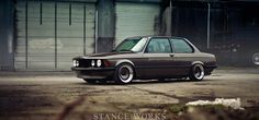 A Walk in the Park with my Gal: Mike Burroughs's 1971 BMW E9 - Stance Works