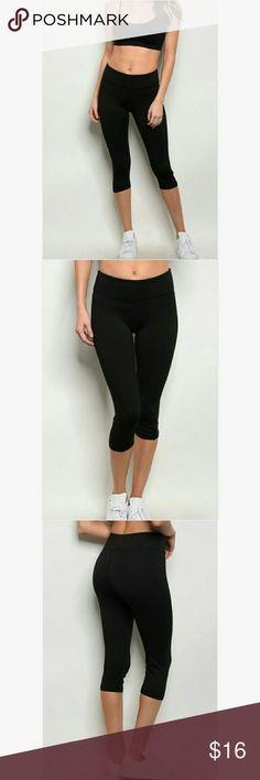 Black Capri Yoga Pants Description: Spandex blend fitted and durable black athletic capri pants.   Materials: 86% Polyester, 14% Spandex Swanky Coconut Pants  #yogapants