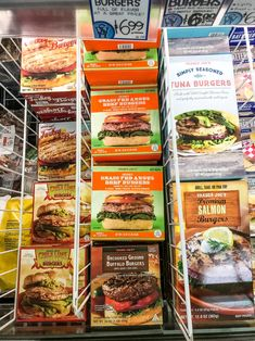 meal prep plans Here are the 9 Best Products to Meal Prep from Trader Joe's, plus meal ideas to give you a great starting place on your weekly meal plan! Best Meal Prep, Meal Prep Plans, Lunch Meal Prep, Food Prep, Lunch Time, Trader Joes Frozen Food, Trader Joe Snacks, Trader Joes Bread, Best Trader Joes Products