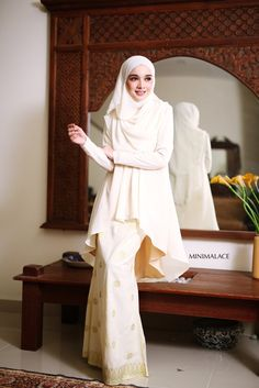 - Top : Heavy Chiffon (Fully lining) / Creamy Yellow colour -Bottom : Imported Indian Songket (Fully lining) / Cream colour - Wudu' Friendly - Hand Wash - Mode
