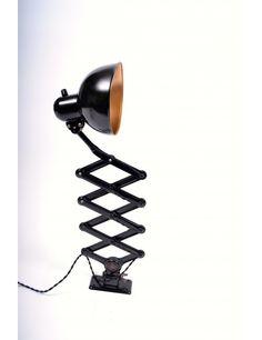 Christian Dell Kaiser Idell Model 6718 Sakselampe sort #2027 - Christian Dell - DESIGNERE