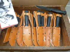 Leather Knife Sheath Pattern, Military Knives, Surviving In The Wild, United States Navy, Tactical Knives, Power Boats, High Carbon Steel, Survival Knife, Rafting