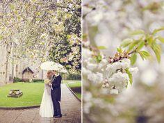 rainy wedding romsey abbey