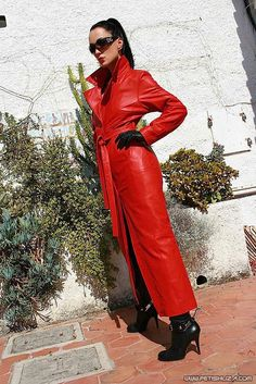 Long Leather Coat, Leather Gloves, Leather Jacket, Red Leather, Latex Babe, Plastic Pants, Alpha Female, Satin Skirt, Rain Wear