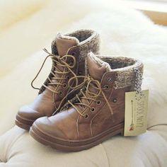 Cedar Hiker Booties