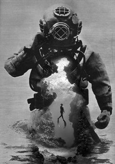 This is exactly what the deep sea diver whom has a lair under the sea wore! Tattoos Motive, Dove Tattoos, Leg Tattoos, Black Tattoos, Sleeve Tattoos, Tattoo Crane, Tattoo Schwarz, Totenkopf Tattoos, Creation Art