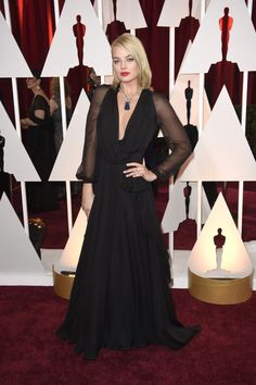 Margot Robbie In Saint Laurent #Oscars Looks You'll Be Talking About Tomorrow | The Zoe Report