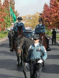 Seattle Police Mounted Squad, photo by PoliceHotels.com