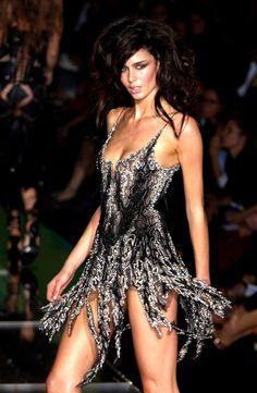 Roberto Cavalli at Milan Fashion Week Spring 2004 - Runway Photos High Fashion, Fashion Show, Fashion Outfits, Womens Fashion, Fashion Design, Milan Fashion, Dress Fashion, Sexy Dresses, Beautiful Dresses
