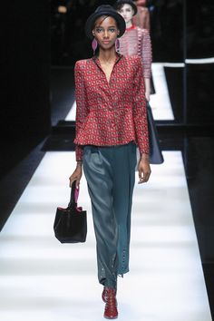 Giorgio Armani Fall 2017 Ready-to-Wear Undefined Photos - Vogue