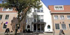 Hotel Restaurant De Koepoort in Enkhuizen: die Standardzimmer sind winzig aber stylish und unbedingt das Degustationsmenu probieren - sensationell!