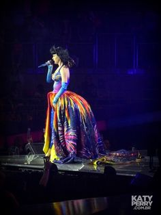 The O2 Arena in London, England - 05.30 [HQ] - 14123329847 c4eb7f9be6 o - Katy Perry Brasil Photo Gallery