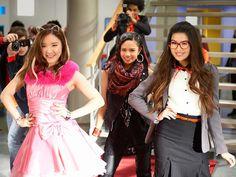 "Nickelodeon estreia ""Make It Pop! Nickelodeon Shows, Pop Bands, Prom Dresses, Formal Dresses, Spongebob Squarepants, Dance Moves, Goth Girls, Erika, Good Music"