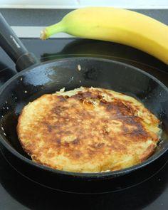 bananpannkakor5 A Food, Good Food, Calzone, Breakfast Recipes, Eat, Cooking, Desserts, Fitness, Tips