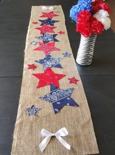 Your party guests will fall in love with this of July table runner., DIY and Crafts, Your party guests will fall in love with this of July table runner. This easy and cheap DIY of July party decoration will help you create a be. Fourth Of July Decor, 4th Of July Celebration, 4th Of July Decorations, 4th Of July Party, Memorial Day Decorations, 4th Of July Ideas, July 4th Wedding, Birthday Decorations, Summer Crafts