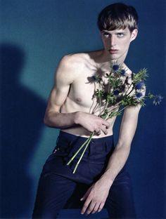 Model Benoni Loos. Photography Sofia Sanchez & Mauro Mongiello. From Numéro Homme.